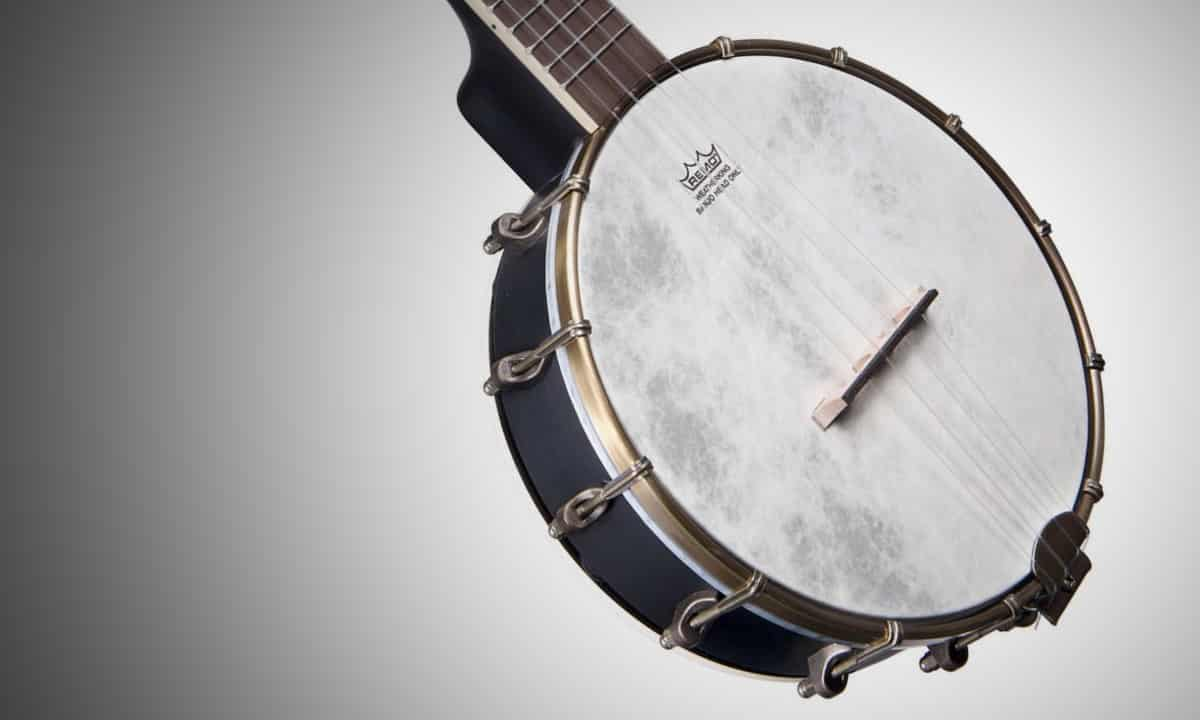 Banjolele Review and Buyer's Guide - Featured Image - BeginnerUkuleles.com