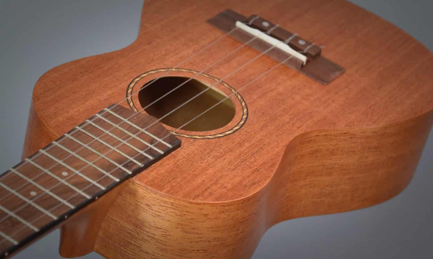 Kmise Ukulele Review - Featured Image