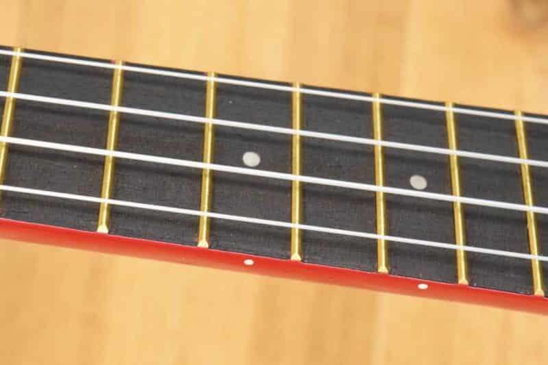 Makala Dolphin Fingerboard and Strings